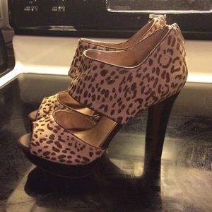 BCBG Cheeta Heels 7.5 Never Worn